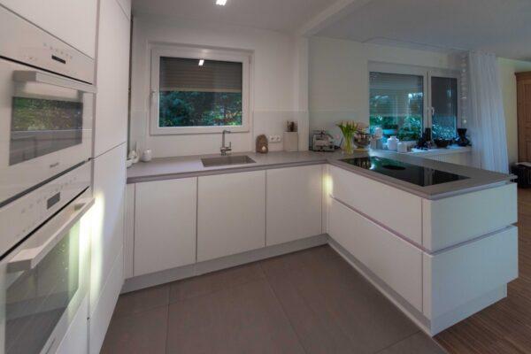 Küche in G-Form
