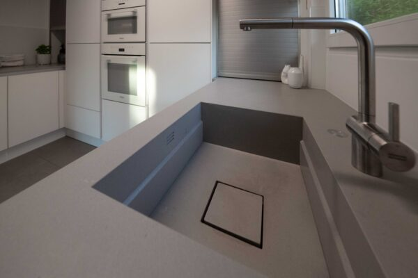Waschbecken aus Stein