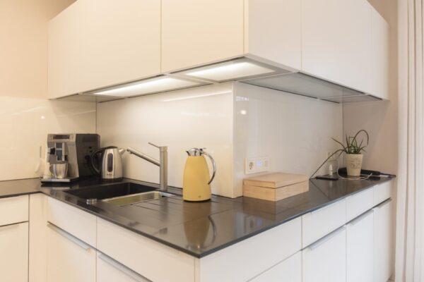 Küche mit indirekter Beleuchtung